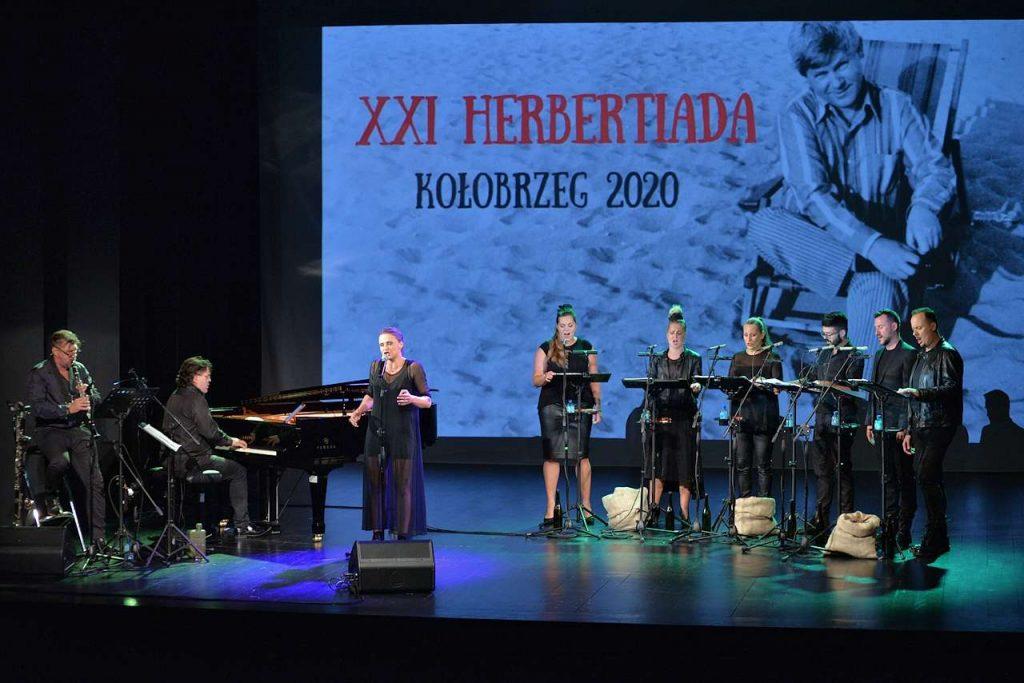 Natalia Sikora i zespół wokalny proModern