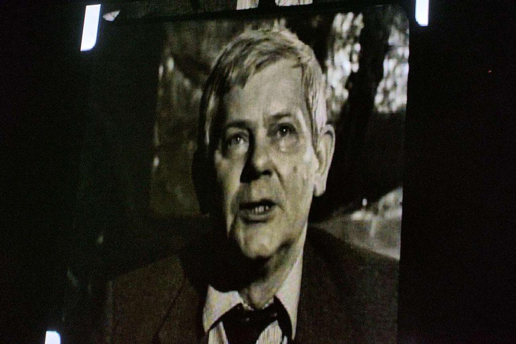 kadr z dokumentalnego filmu Powrót Pana Cogito
