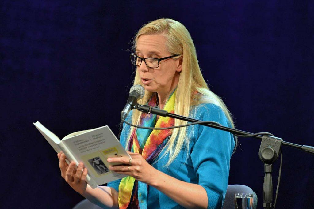 Magdalena Warzecha w spektaklu pt. Wisełka, Frąckowiak i Jego Pan